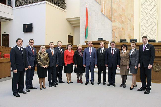 Депутация Могилевской области в Овальном зале Дома Правительства